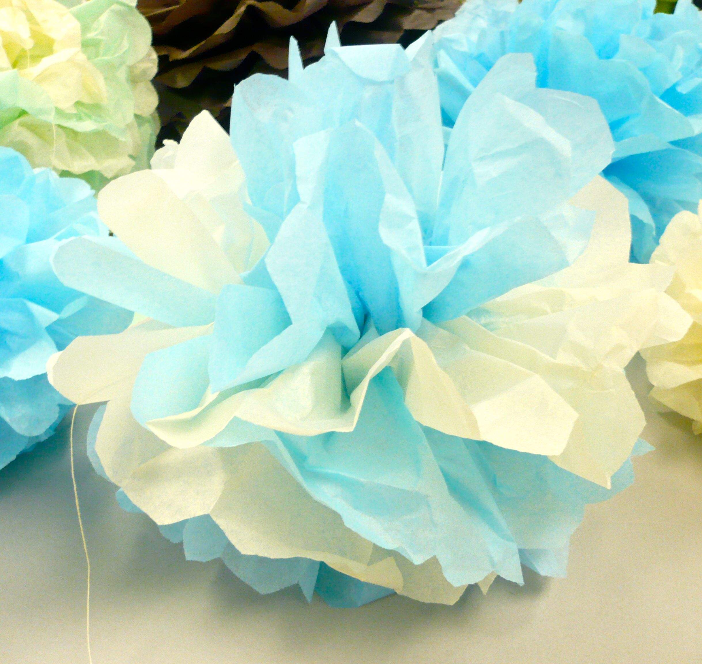 Crafty project decorative tissue paper puffs look for Tissue paper for crafts