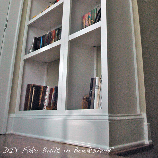 Craft project fake built in bookcase for Do it yourself built in bookshelves