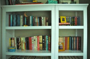 Crafty Project Built in Bookcase Top Half 300x199 Craft Project: Fake Built in Bookcase