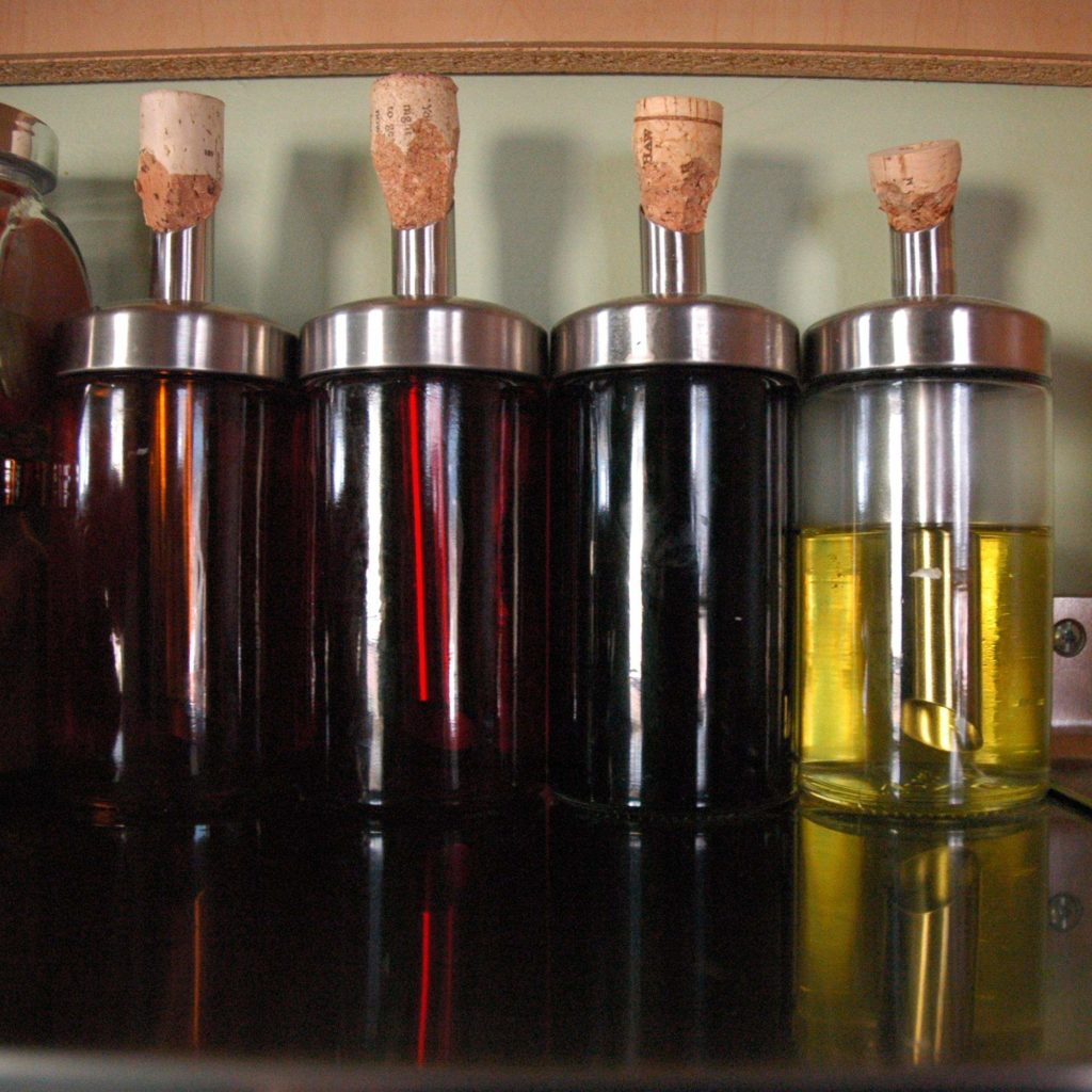 DIY Spice Rack-Oil Holders