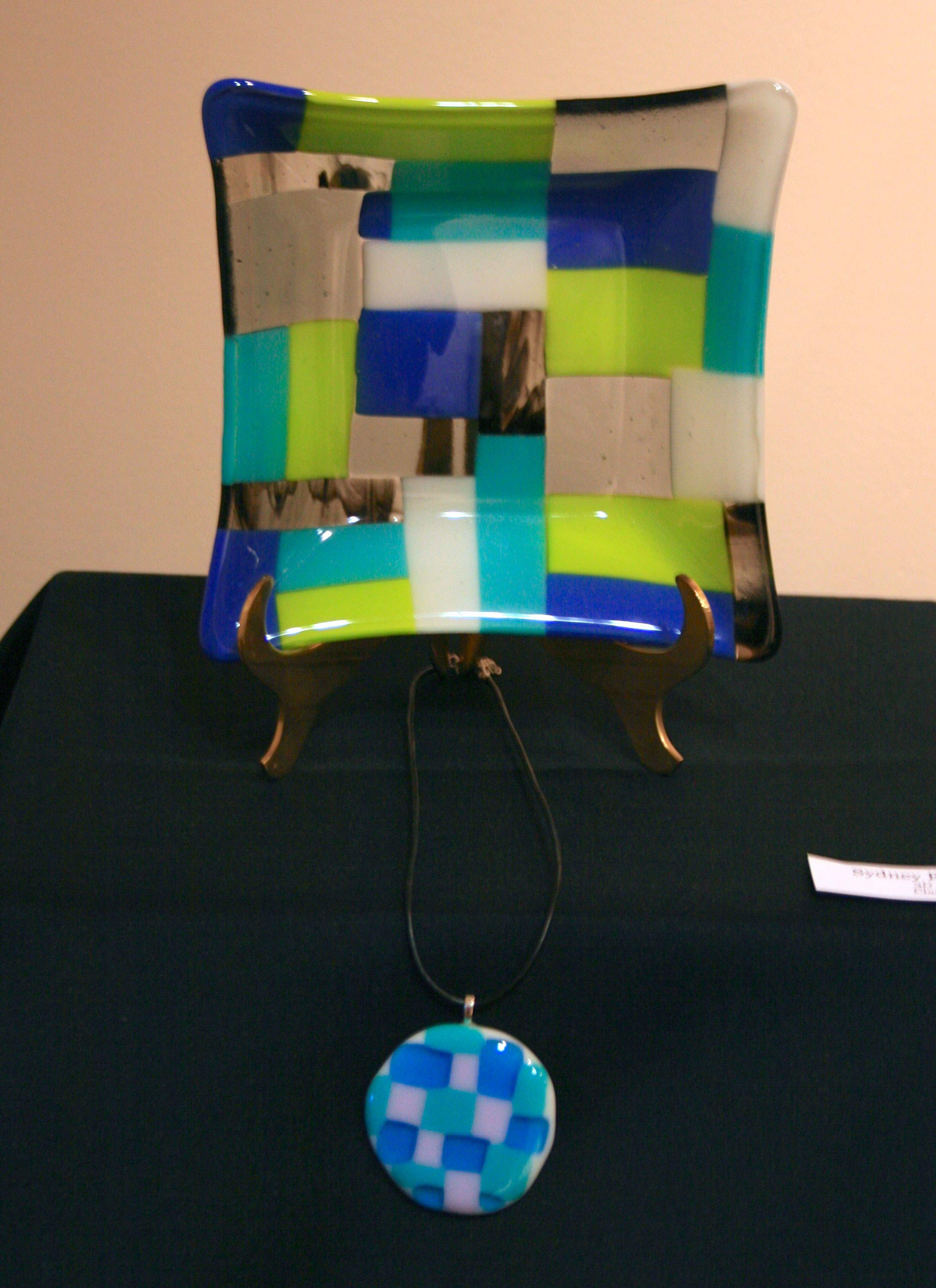 Art-Lesson-Geometric-Fused-Glass-Plate-and-Necklace