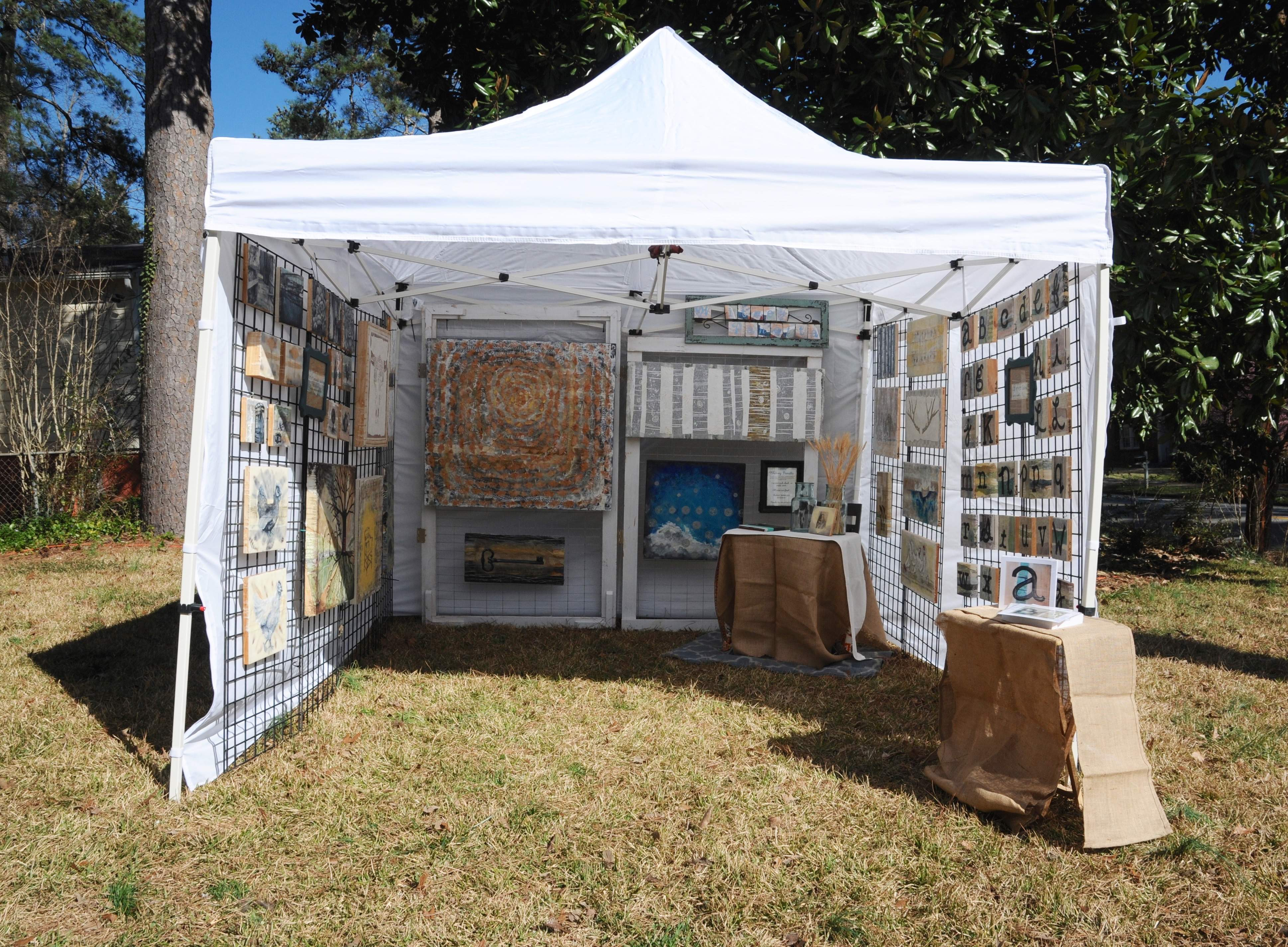 After a year of collecting the necessary parts I finally set up my outdoor booth. & Craft Fairs: Setting Up My Outdoor Booth | Look Between the Lines