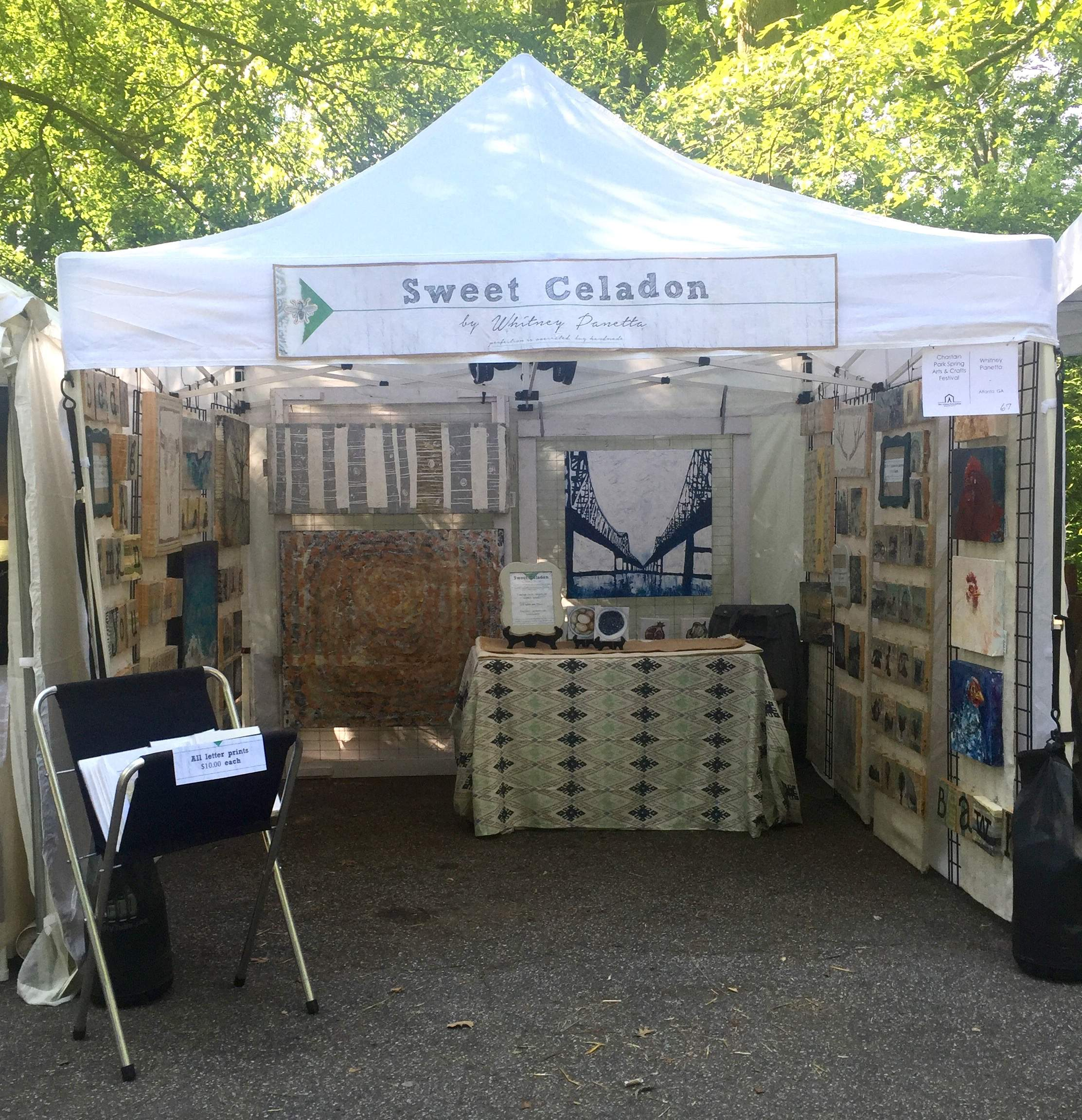 how to set up an art show booth